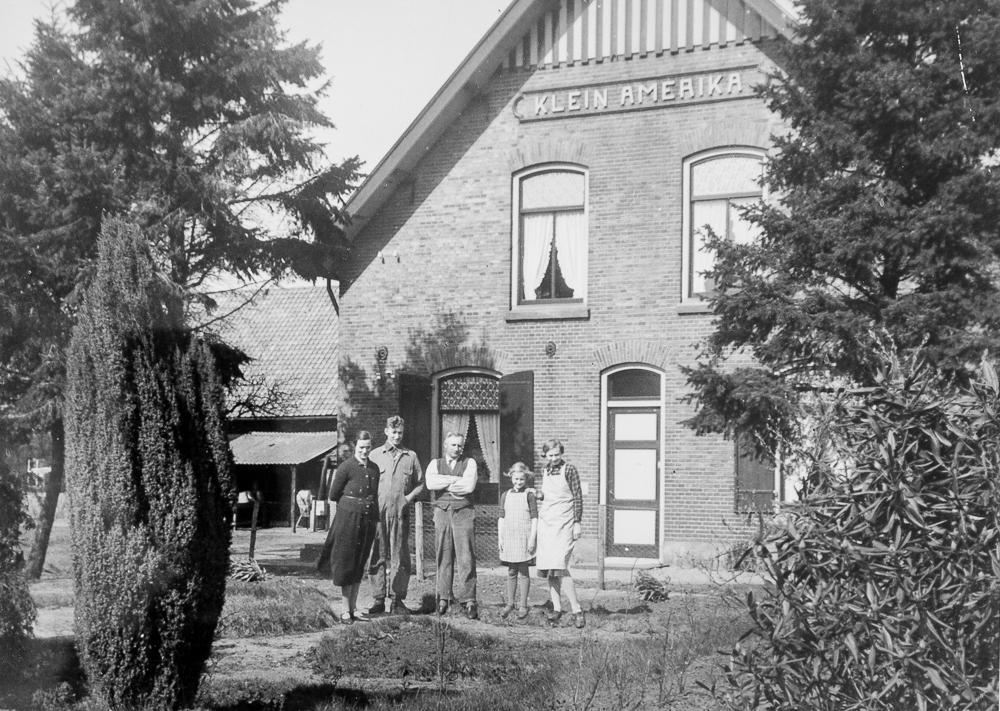 De oorspronkelijke boerderij Klein Amerika, die is afgebrand in 1944